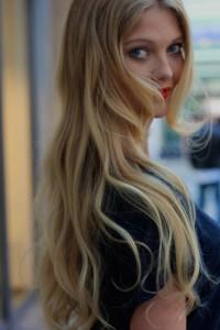 blond langhaar wellen langhaarfrisur dylus Frankfurt